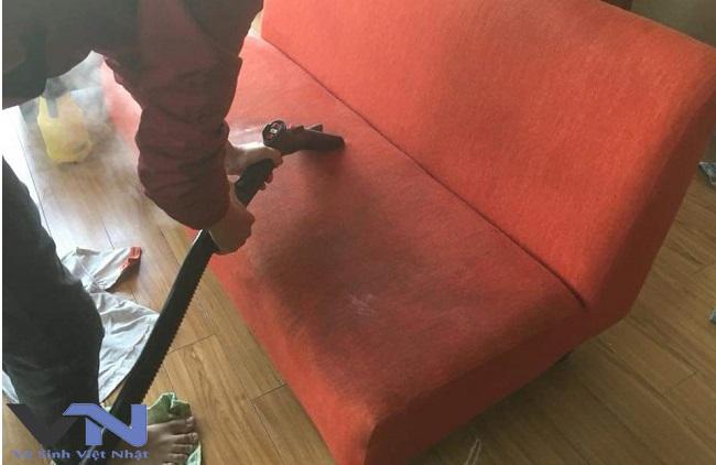 Dịch vụ giặt ghế sofa giá rẻ tại quận 5