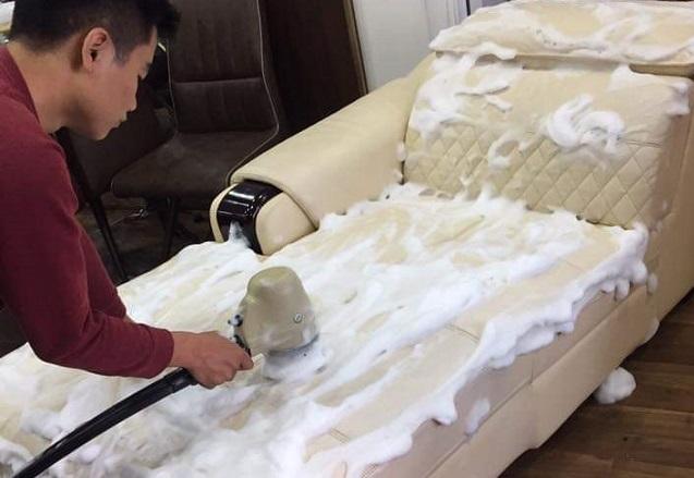 Dịch vụ giặt ghế sofa da tại nhà