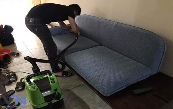 dịch vụ vệ sinh ghế sofa nỉ