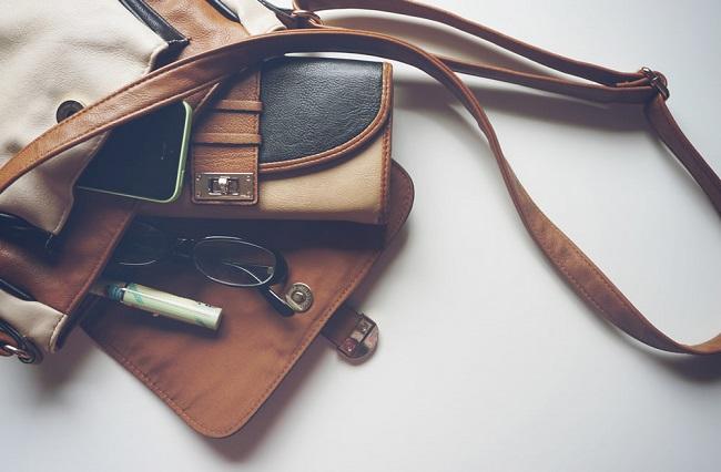 Cách làm sạch đồ da, ví da, túi da đúng cách, hiệu quả nhất tại nhà