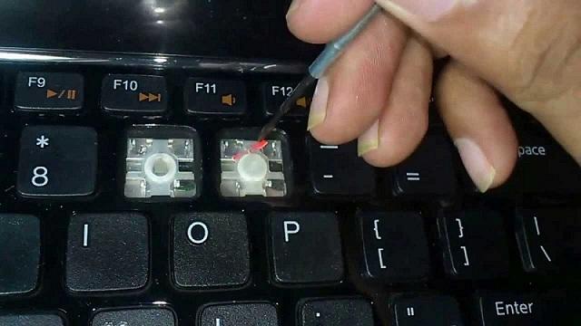 hướng dẫn cách vệ sinh bàn phím máy tính