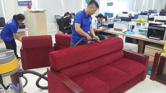 Dịch vụ vệ sinh ghế sofa tại tiền giang